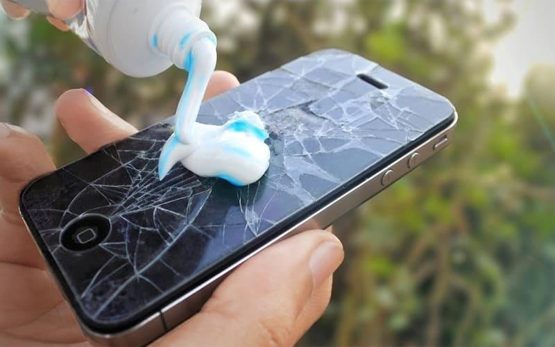 صيانة شاشة الهاتف